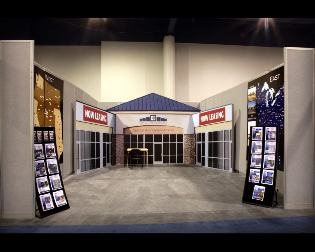 20 Ft In-Line Trade Show Display 1